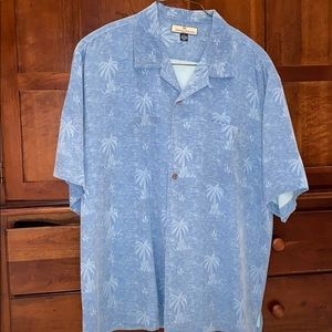 Tommy Bahama button down shirt sleeve shirt